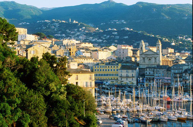 vieux port de Bastia.jpg